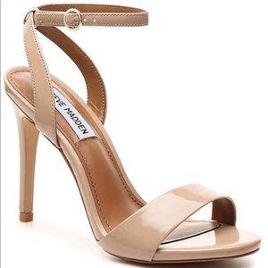Like new Steve Madden Reno Sandal Women's shoes